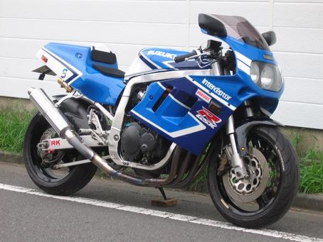 Suzuki GSX-R Slingshot 750 (88-91) et 1100 (89-92) - Page 3 Gsxr11_001